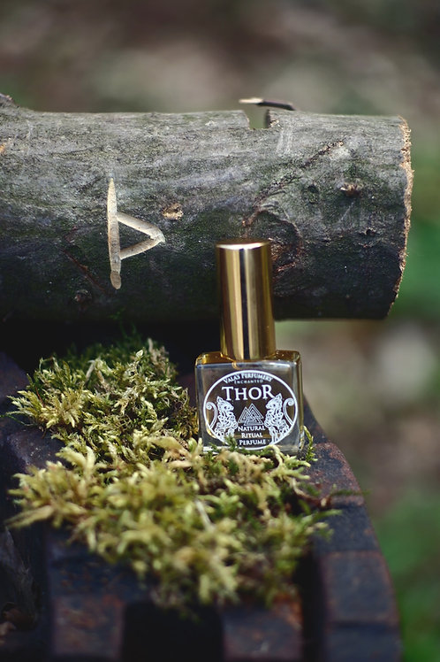Thor • Spicy blend of pepper, woody notes and tones of musk