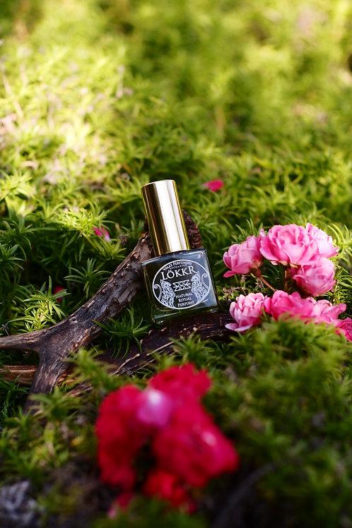 Lökkr  • Soft scent of violets, violet leaves with fresh floral undertones
