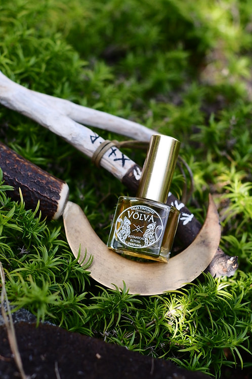 Völva  • Intricate scent of flowers, incense and saffron