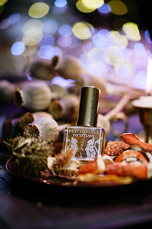 Psychonaut • Ethereal fruity floral - honeysuckle, iris, blackcurrant, boronia