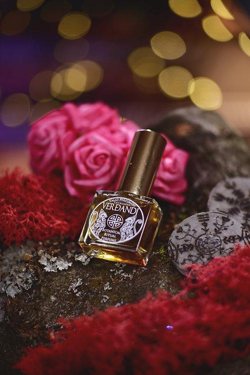 Verdandi • Warming floral scent of carnation, bulgarian rose and hyacinth