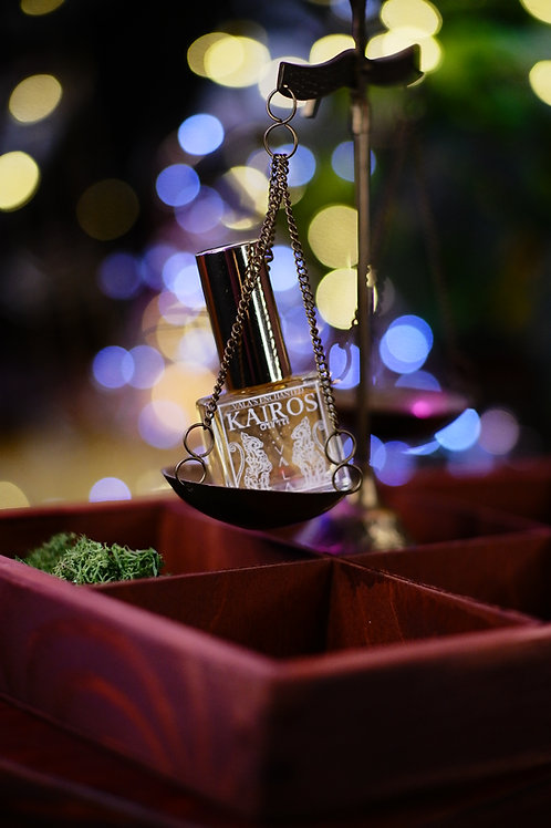 Kairos • Fresh citrusy herbal, petitgrain sur fleurs, verbena, tonka