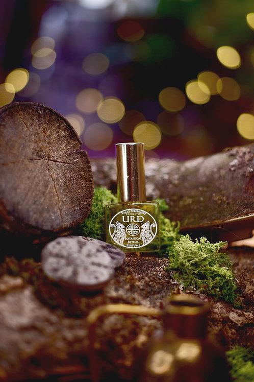 Urd • Earthy scent of wet moss, fresh herbs, soil, woody base