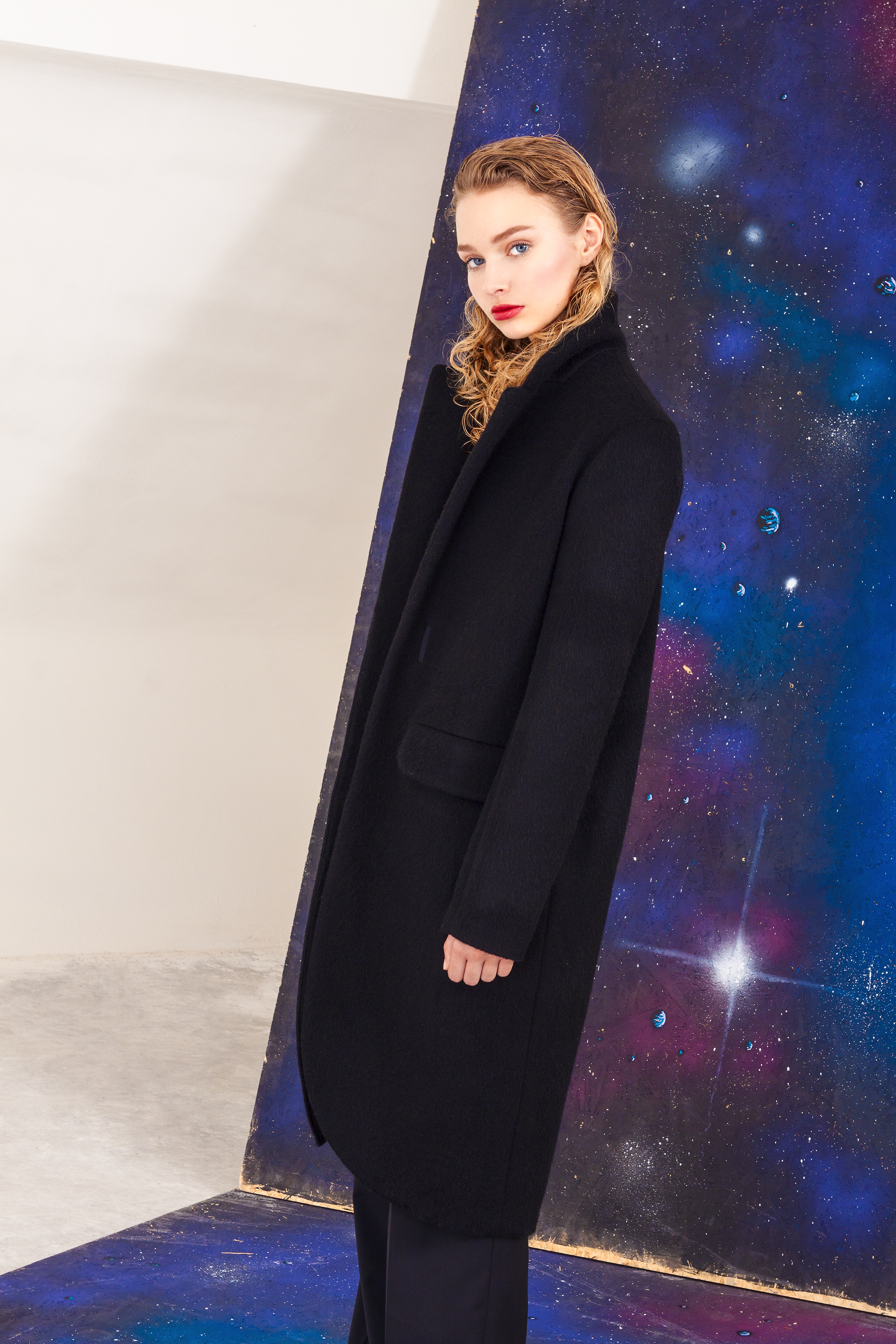 Vlněný zimní kabát Marcela Krizova
