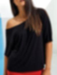 Off-the-shoulder short sleeve t-shirt