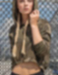 Camo cropped hoodie