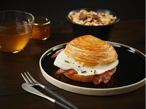 Croissant Bun x4 for burger, breakfast sandwich...