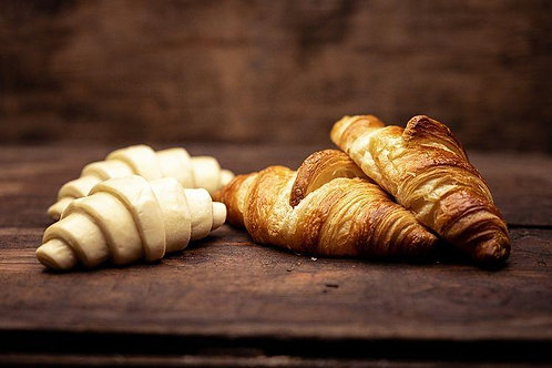 Ready to bake croissants with AOP butter Bag of 6