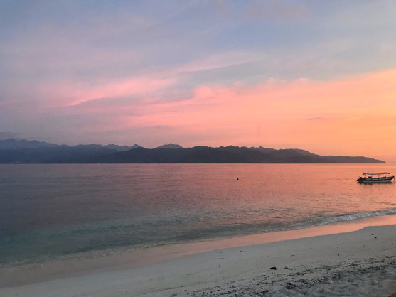 Beautiful Sunsets Gili T