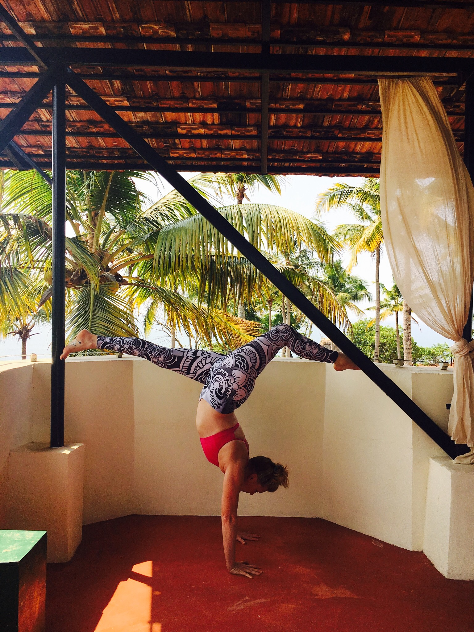 handstand me