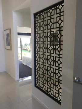 PalmLakes resort - TEMPLAR screen panel