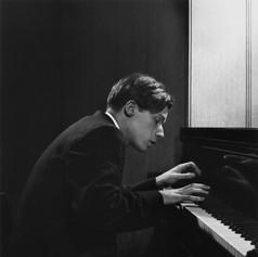 Yousuf-Karsh-Glenn-Gould-1957
