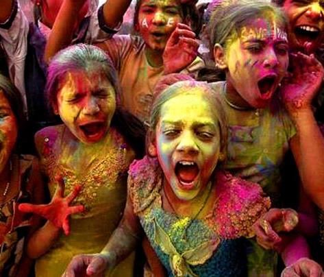 Holi-girls-celebra_1364331i.jpg