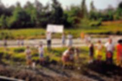 RFK-Funeral-Train-by-Paul-Fosco-13.jpg
