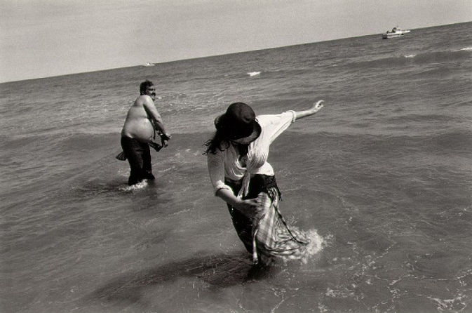 josef_koudelka_spain_1975_wading.jpg