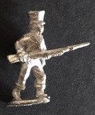 SBI 407 Infantryman, advancing, holding musket level, wearing shako with oilskin