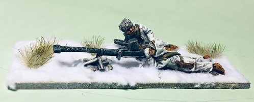 WWF 32    Lahti L39 AT rifle with 2 crew, firing