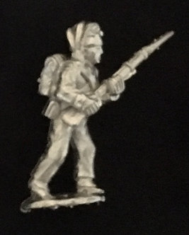 SRI 108 Infantryman advancing, musket at 45 degrees,  short jacket forage cap