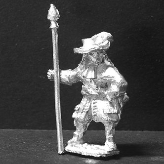 GRE1	Officer, standing, with half pike