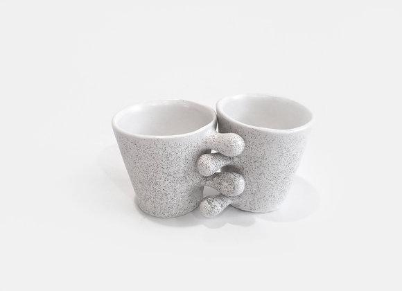apsikabinę puodeliai