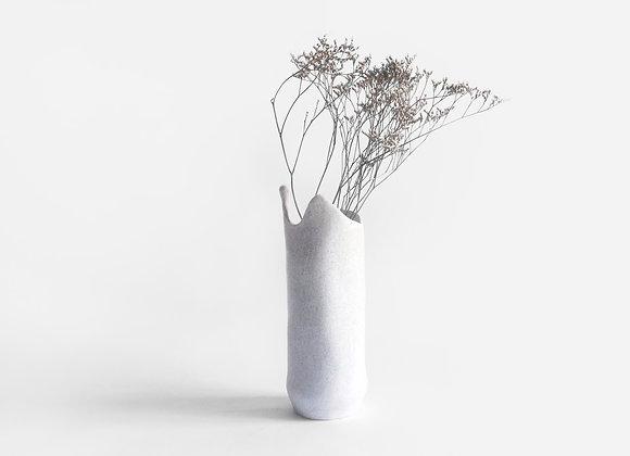 balta matinė vaza