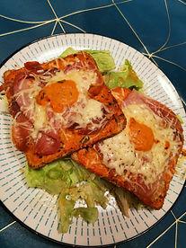 Tartine jambon cru, sauce tomate et basi
