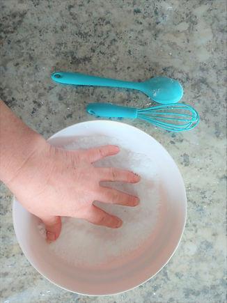Fizzies hand mix .jpg