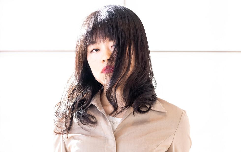 役者  清水  万里亜