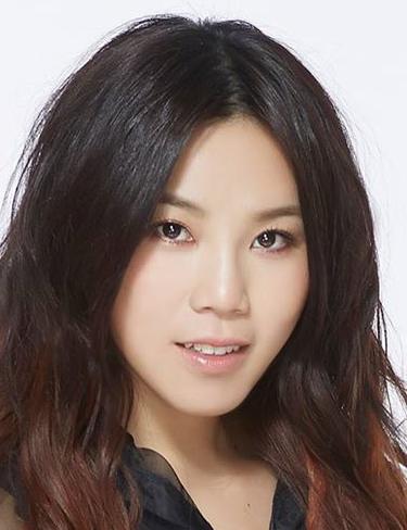 Jess Lee (李佳薇)