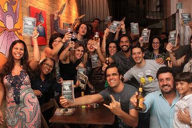 Noite de autógrafos com autores