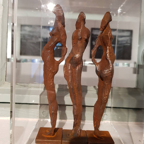 3 Femmes, effet oxidé, 2019