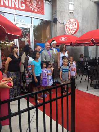 Earl of Sandwich Opens New Location Downtown Tampa, with Special Guest Bob Buckhorn