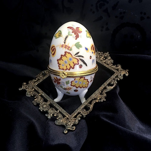 Vintage Footed Porcelain Egg with Clasp Ring Keeper