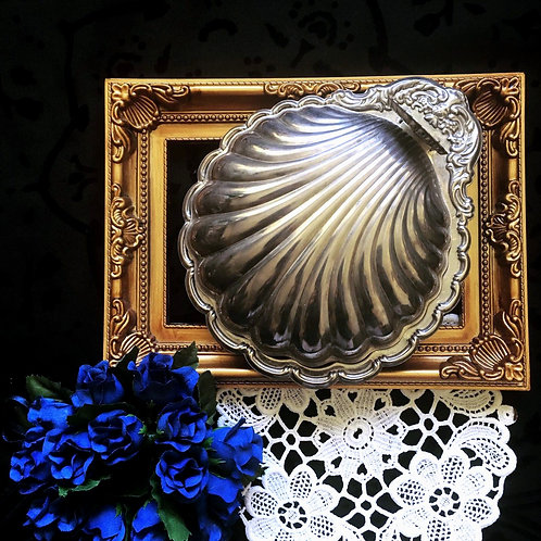 Vintage Caviar Plate with Lid  RetroJewelry Shell Box