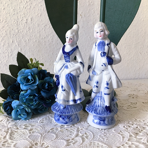Beautiful Blue and White Porcelain Victorian Pair of Figurines
