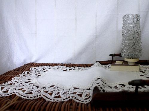 German Inga Vintage Lace Table Cloth