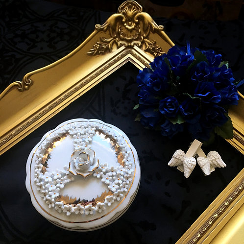 Delicate Vintage 3D White Rose Bone ChinaTrinket Box