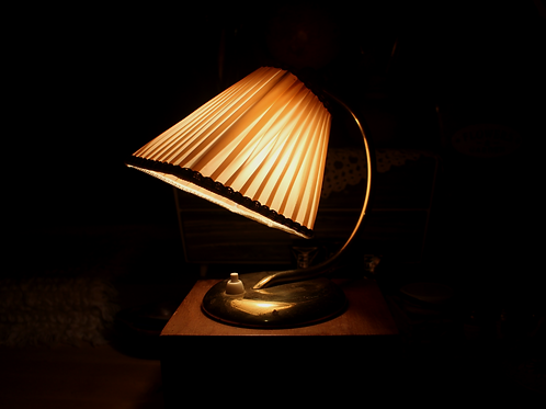 1950s Mid Century Vintage Table Lamp / Bedside lamp
