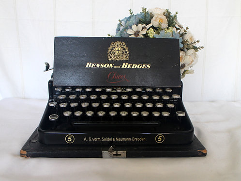 Benson & Hedges Vintage Chicos Cigar Wooden Case