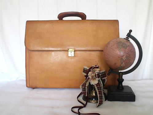 Fendi Vintage Honey Tan Genuine Leather Overnight Suitcase Briefcase 60s