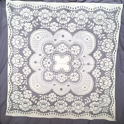 Vintage White Flower Lace Table Cloth / Doily