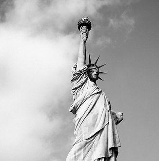 statue-731237_1920_edited_edited_edited.