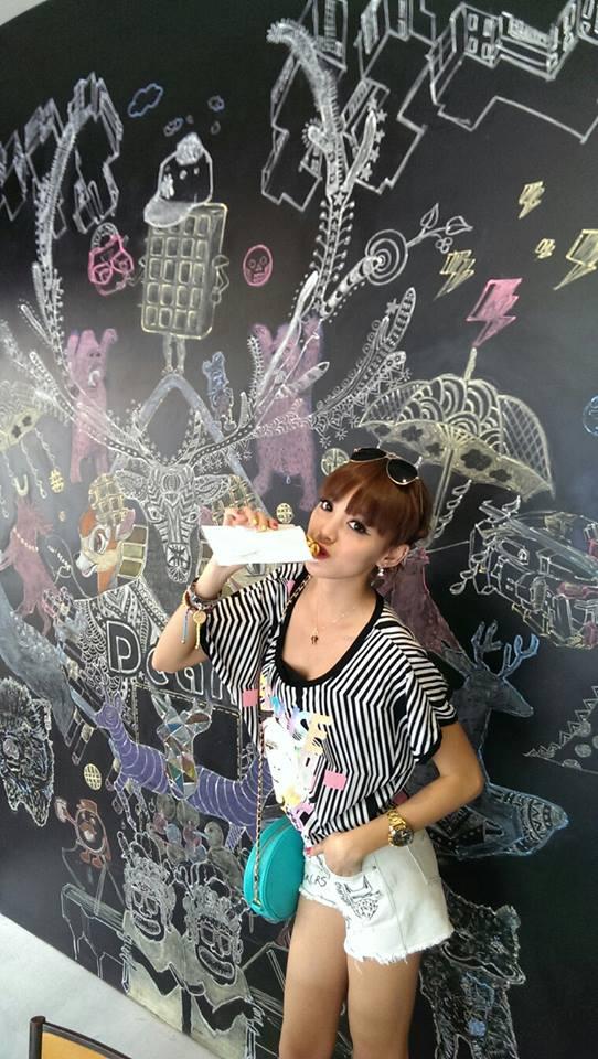 Dears Waffle with Kiwi 李函