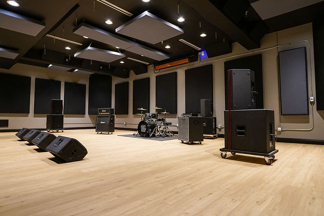 Showcase A Live Room 3.jpg