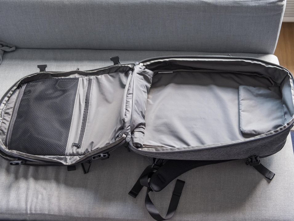 Aer Travel Pack 2 Clamshell Opening