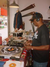 DJ CHIPS AT ELROYS