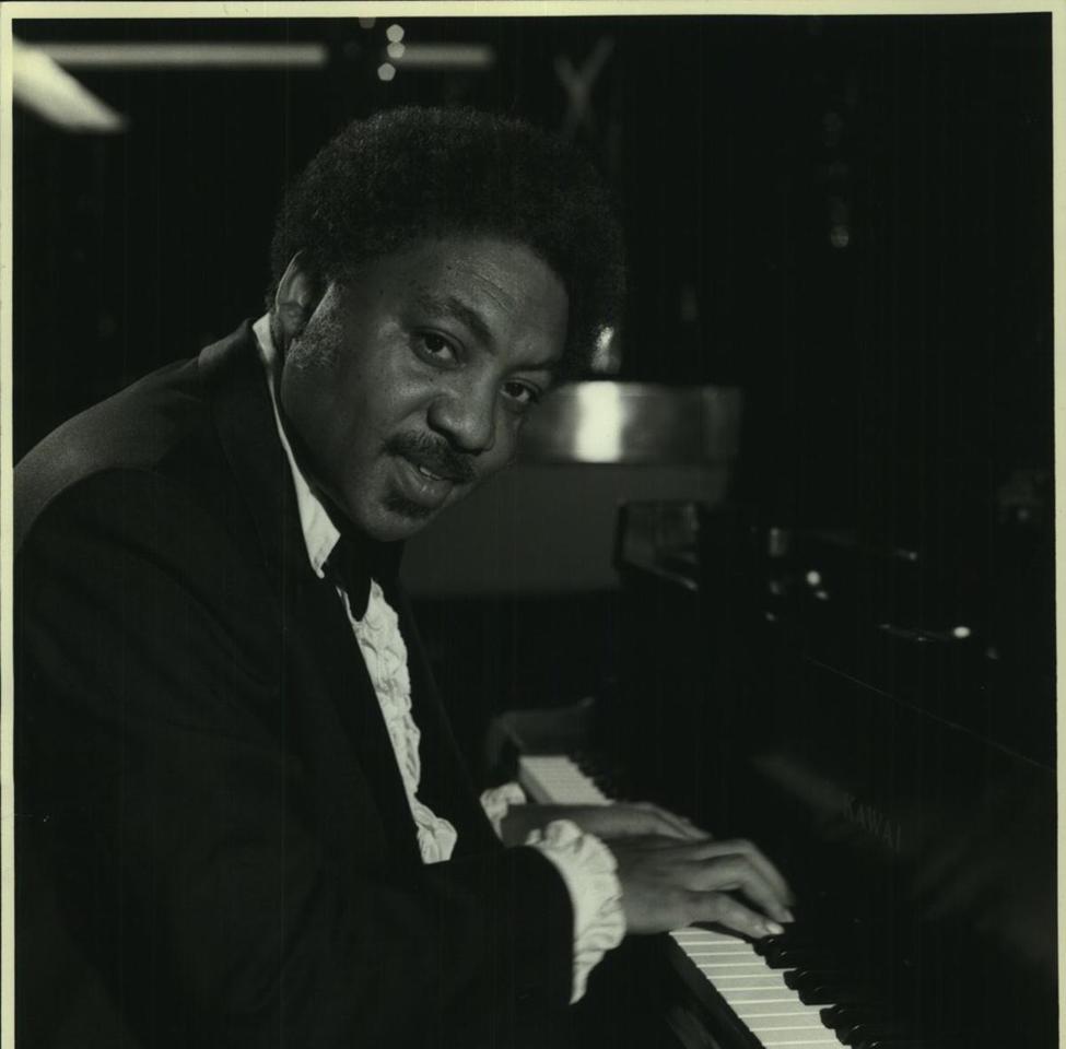 ellis marsalis at piano.png
