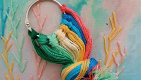 כיצד לסדר את חוטי הרקמה במארגן חוטים