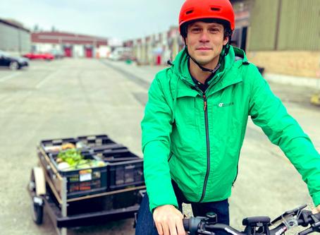 Vlaamse regering schenkt elektrische fietsen aan Collectmet Deliveries van Cultureghem
