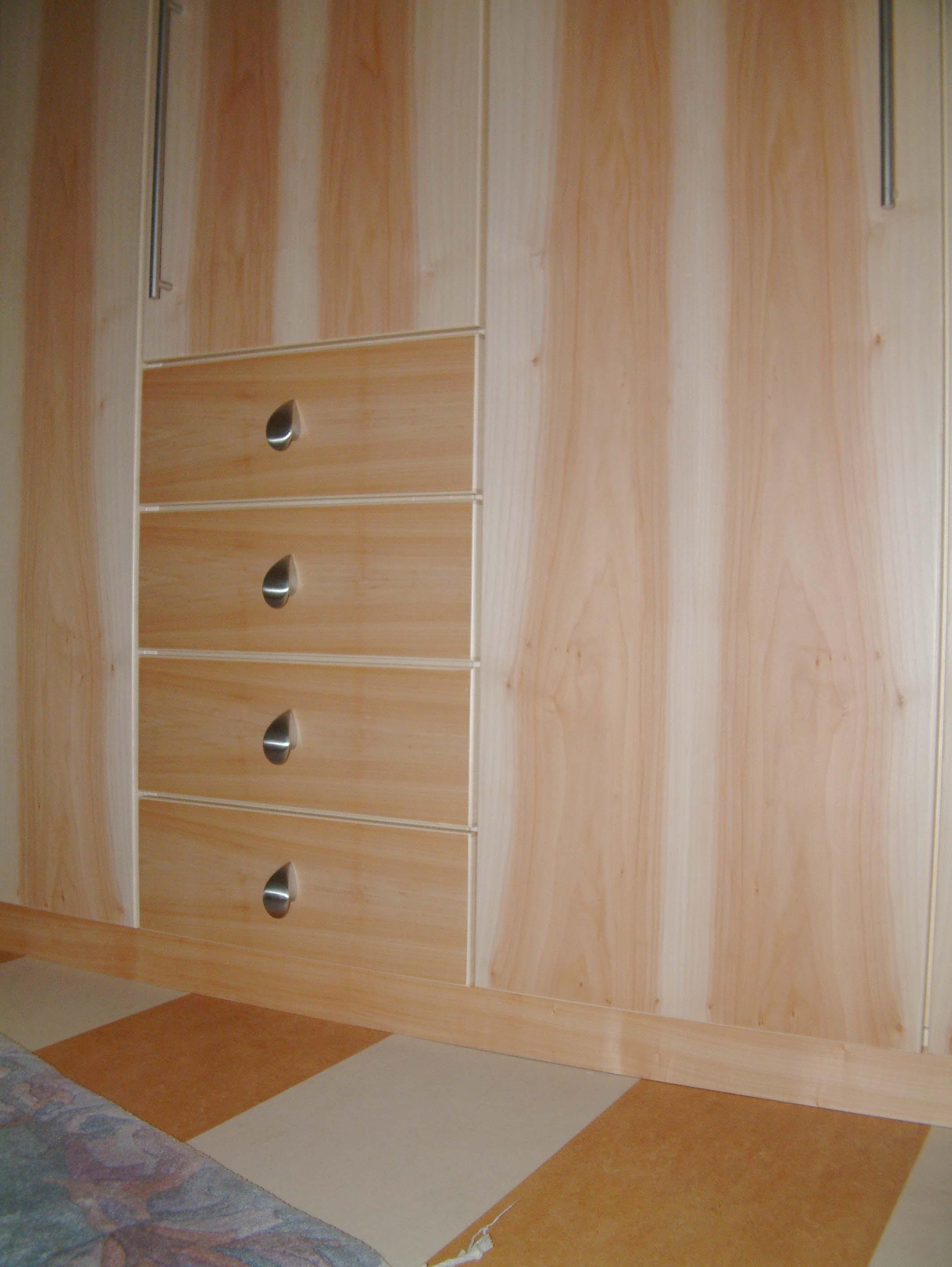 Schlafzimmer (13).jpg